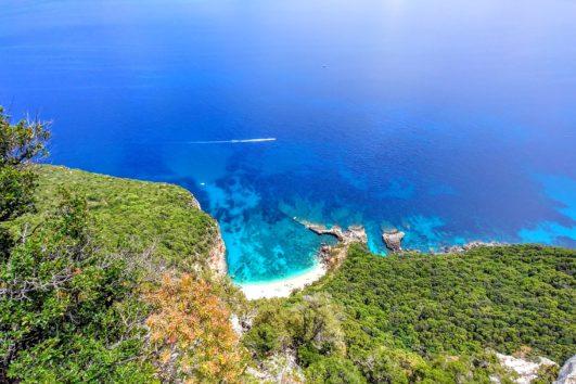Cala Biriala, trekking nel Supramonte di Baunei con Your Sardinia Experience